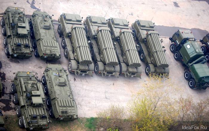 Военная техника перед парадом